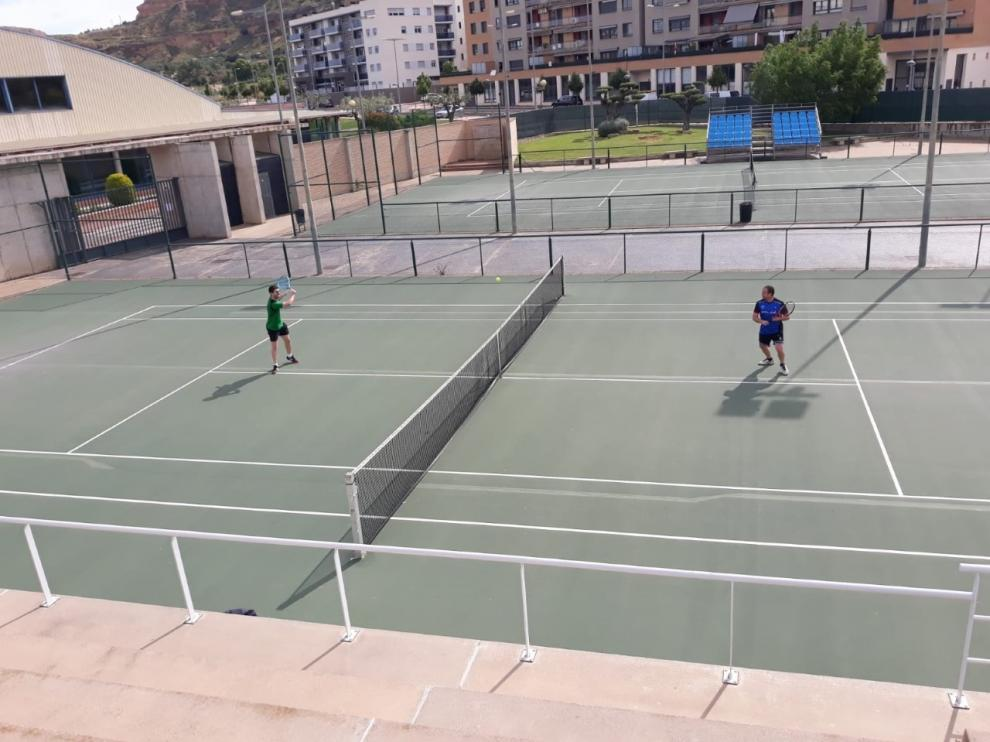 Monzón reabre sus pistas de tenis al 30 % de su capacidad
