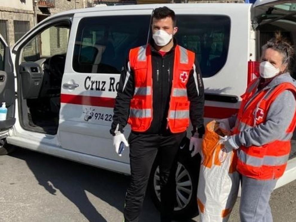 Homenaje de Cruz Roja a las residencias del Alto Gállego