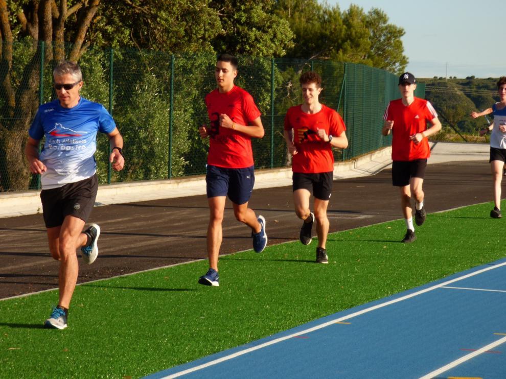Barbastro retoma la actividad en las pistas de atletismo