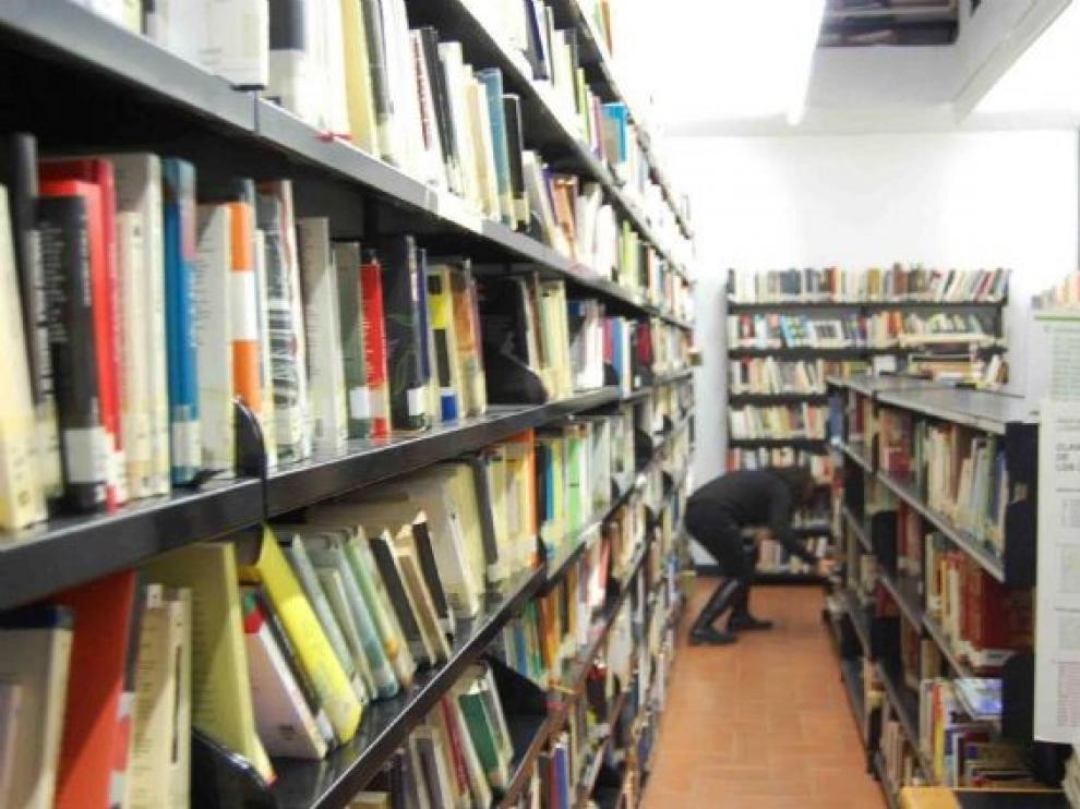 La Red de Bibliotecas municipales de Fraga abre sus instalaciones