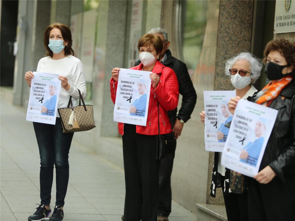 El Colegio de Médicos de Huesca recuerda a los sanitarios fallecidos por coronavirus