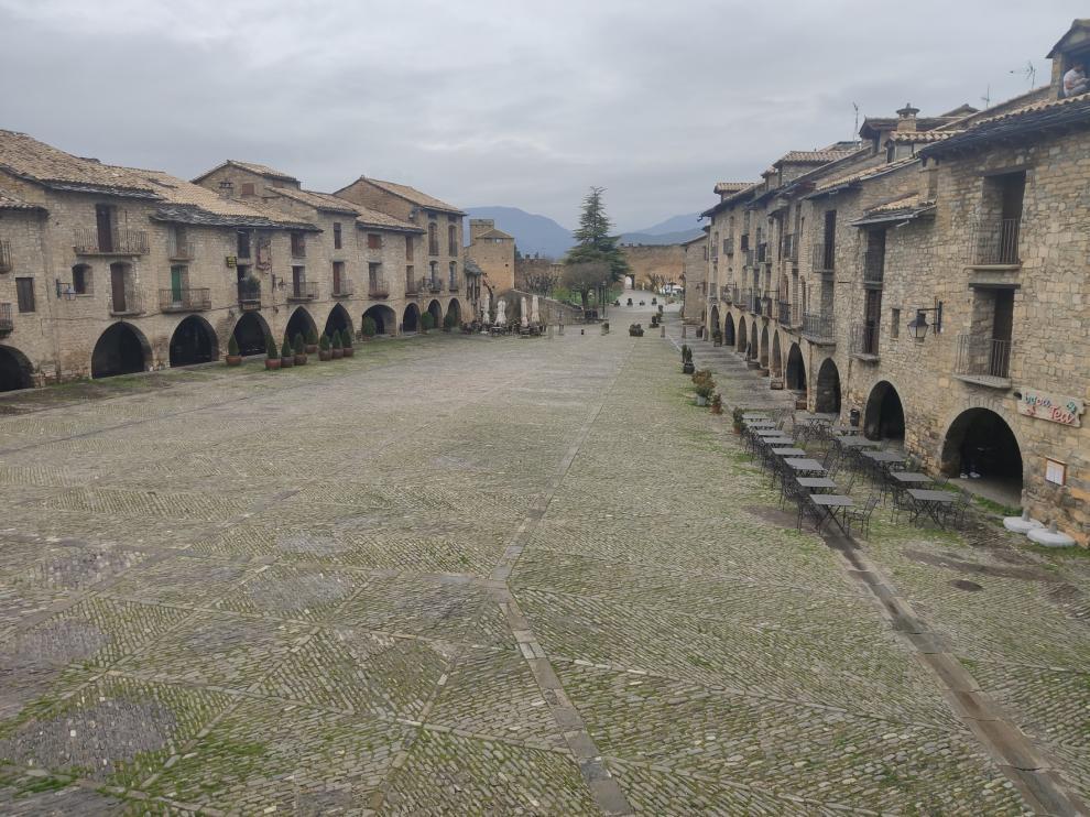 Las zonas turísticas de la provincia de Huesca no esperan mucho movimiento todavía