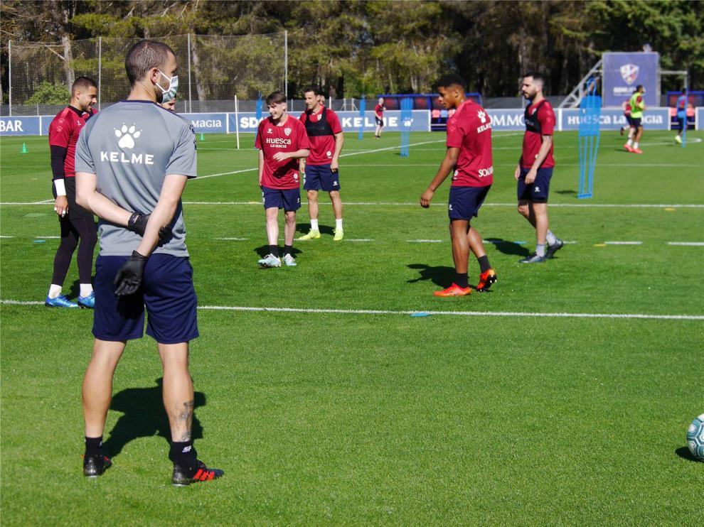 """El Huesca entra en la """"tercera fase"""" de los entrenamientos"""