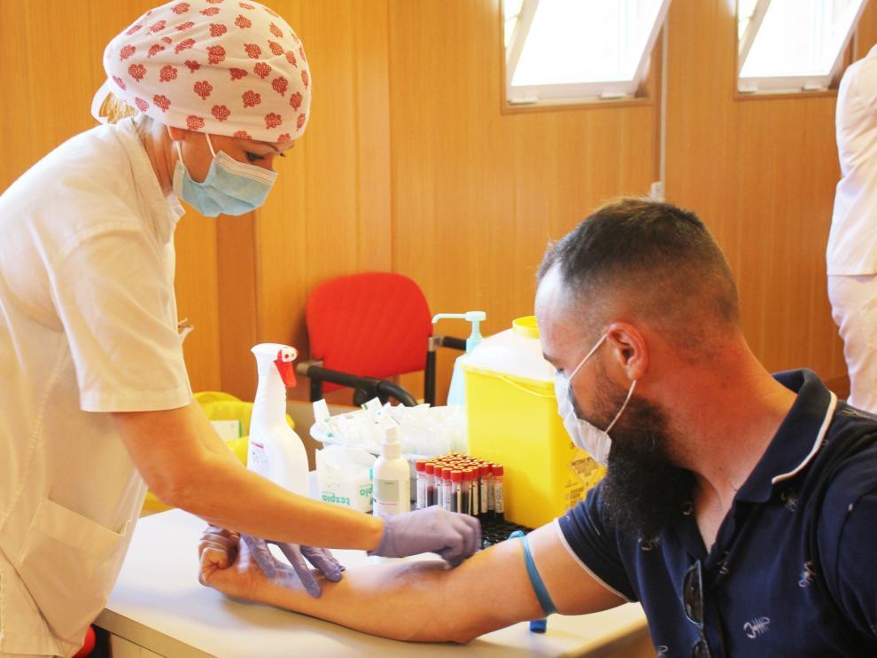 Un tercio de los pacientes críticos de COVID-19 padece daño miocárdico