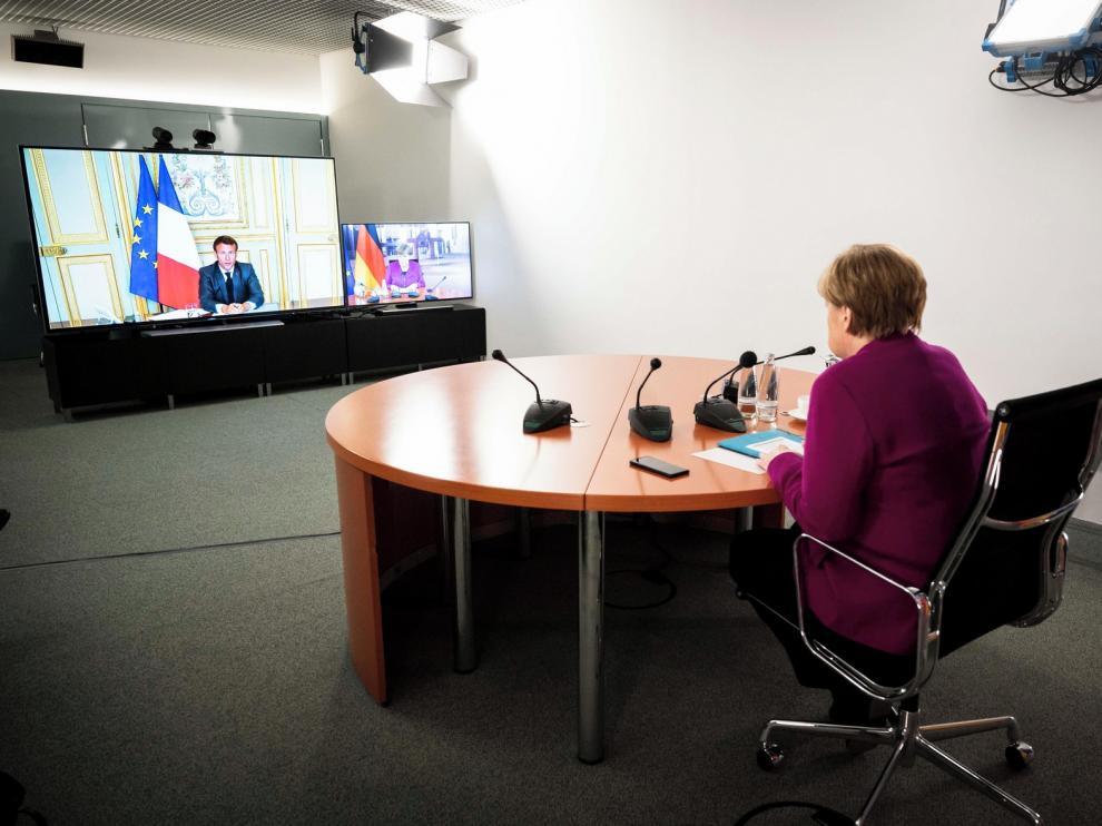 Macron y Merkel quieren reconstruir Europa con rapidez