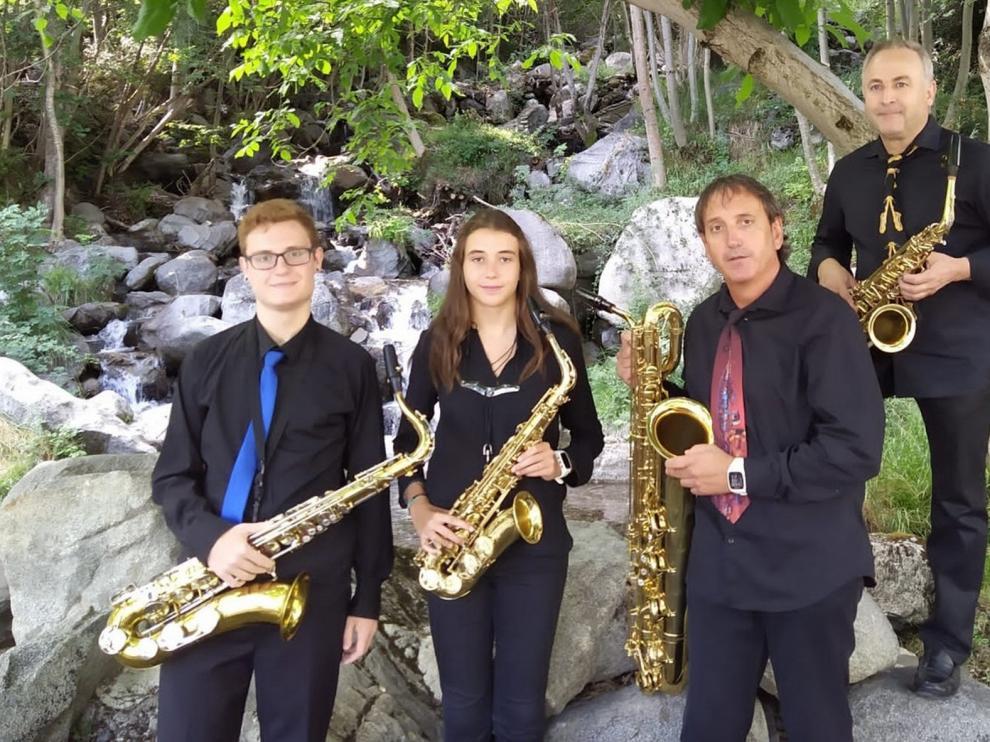 """Cuarteto de Saxofones """"Ciudad de Sabiñánigo"""": """"El año pintaba bien y cuando esto pase retomaremos los proyectos"""""""