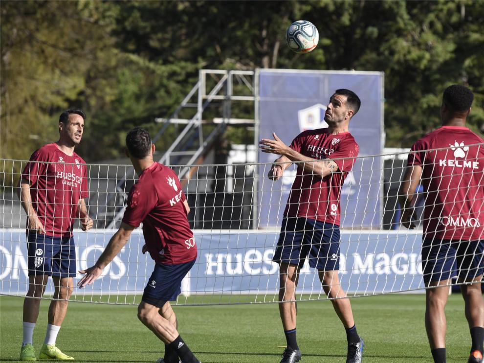 El Huesca baja las pulsaciones en el entrenamiento de este jueves