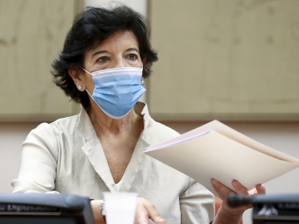 Celaá admite que no es segura la vuelta al cole en septiembre
