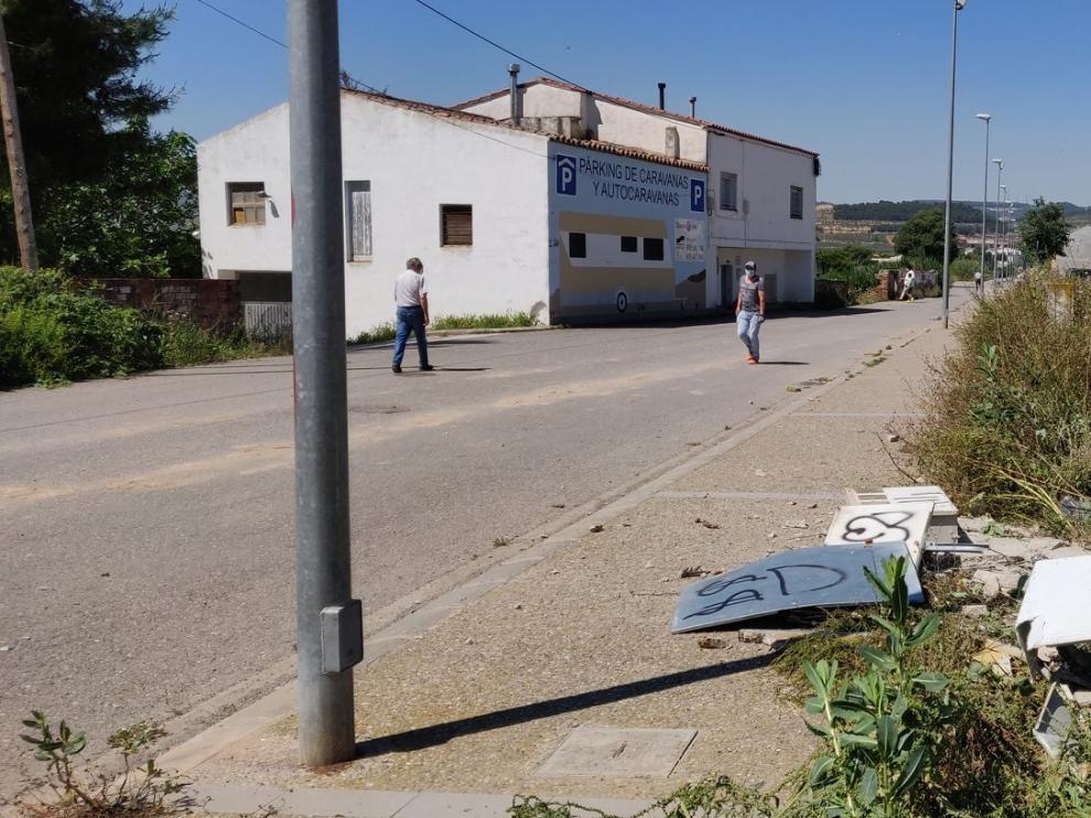 Un conductor ebrio al volante de un furgón provoca el caos en Fraga tras arrollar a varios coches