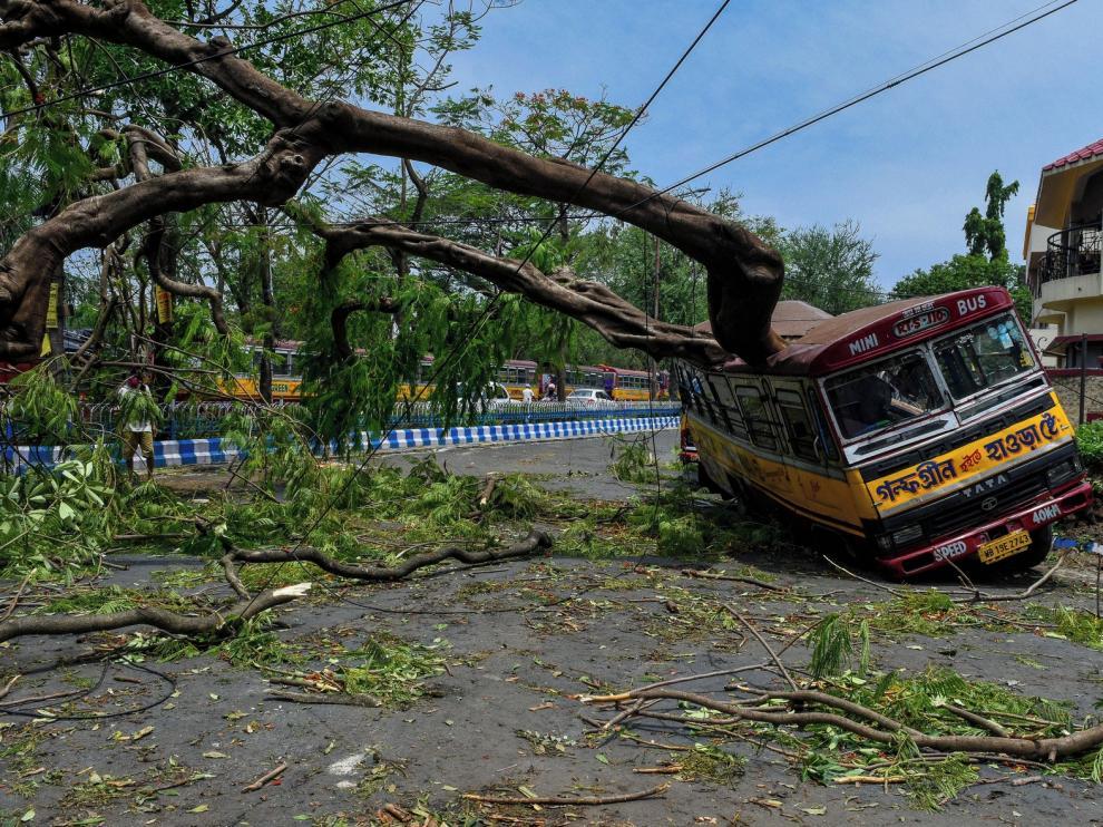 Más de cien fallecidos tras un ciclón en India y Bangladesh