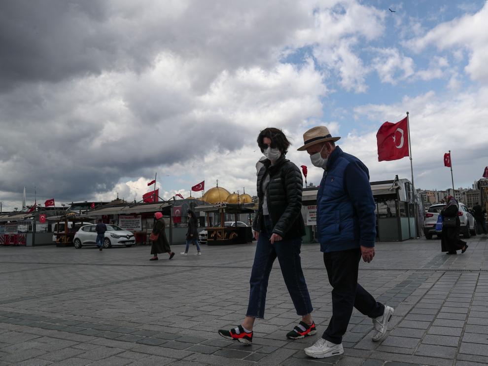 Países de Oriente Medio y el golfo terminan Ramadán con aumento de contagios