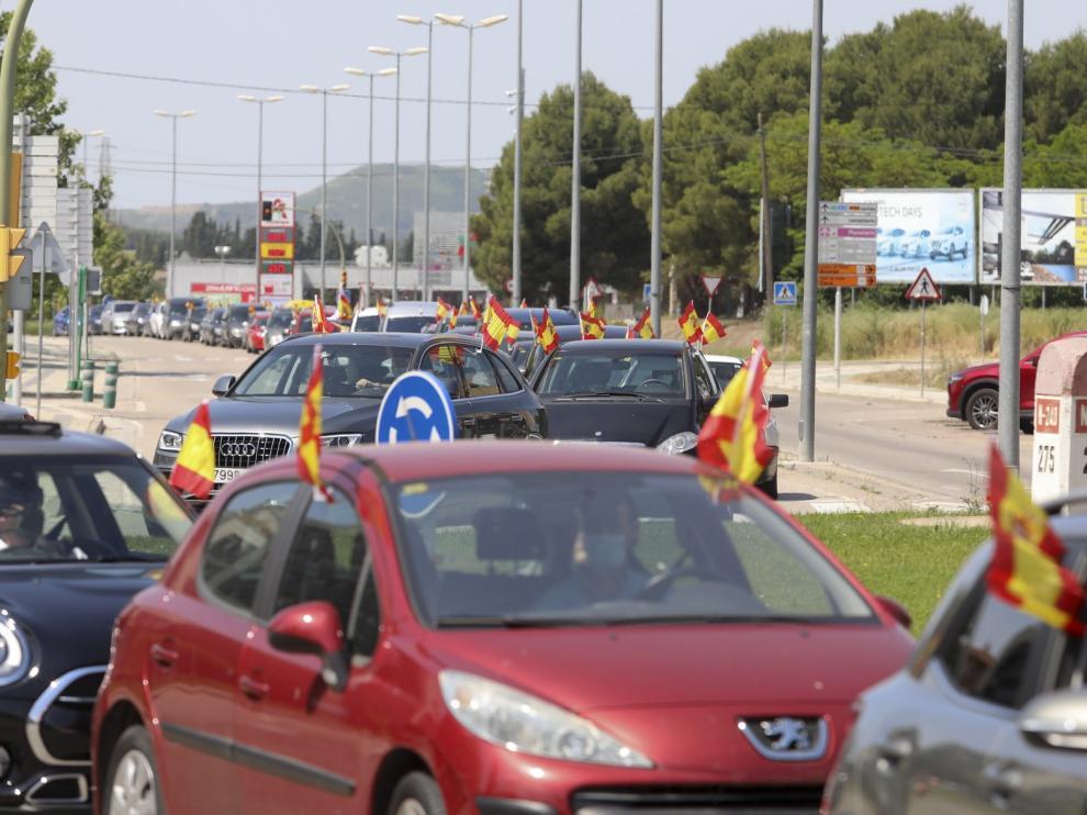 La manifestación motorizada de VOX reúne a 135 vehículos en Huesca