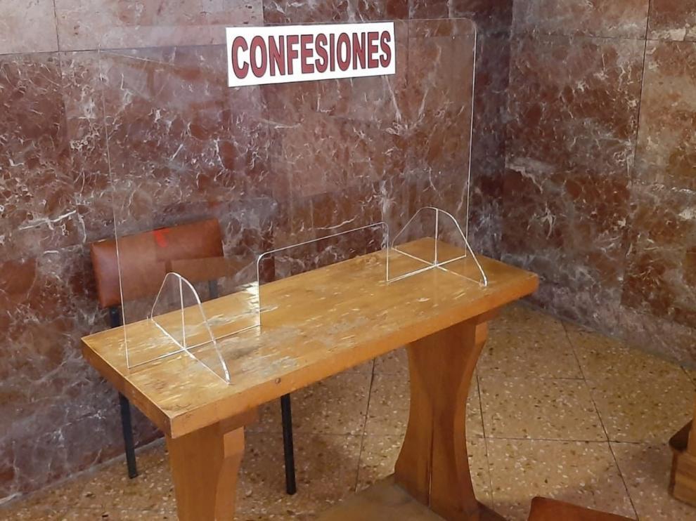 Confesionario en la Parroquia Cristo Rey de Sabiñánigo