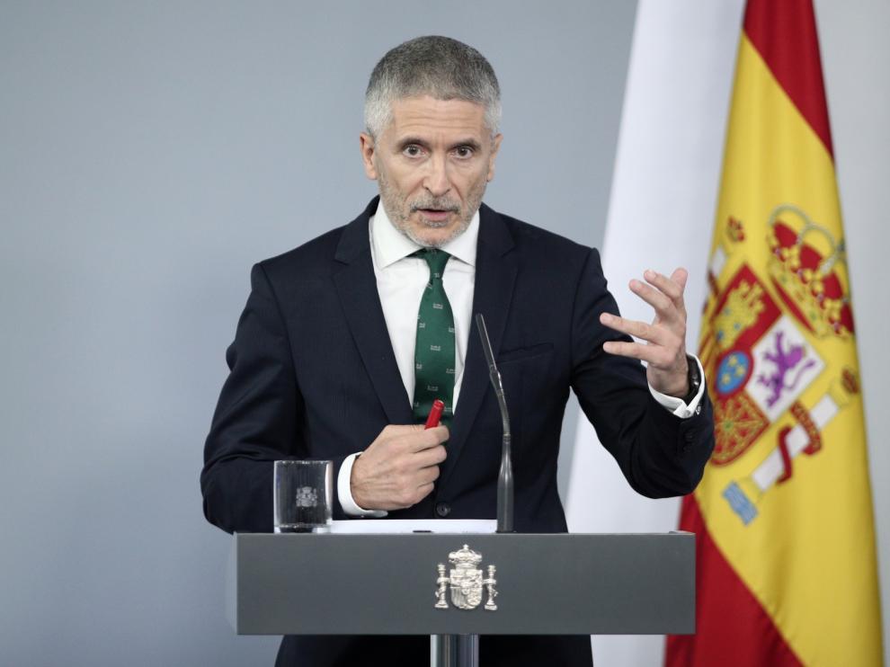 Marlaska presenta el cese de De los Cobos como un reajuste y sube el sueldo a la Guardia Civil
