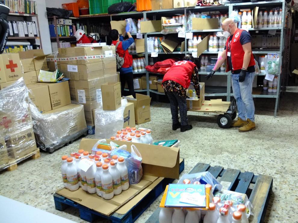 Cruz Roja Huesca reparte juguetes y meriendas a 66 niños y niñas en medio de la pandemia por coronavirus