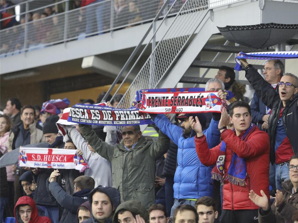 El Huesca ofrece cuatro opciones para compensar a sus abonados