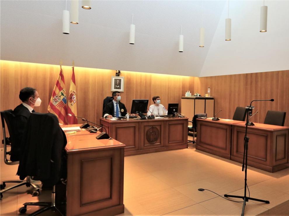 La Fiscalía de un juzgado de Huesca coincide con Fasamet en que los sanitarios estuvieron desprotegidos ante el coronavirus