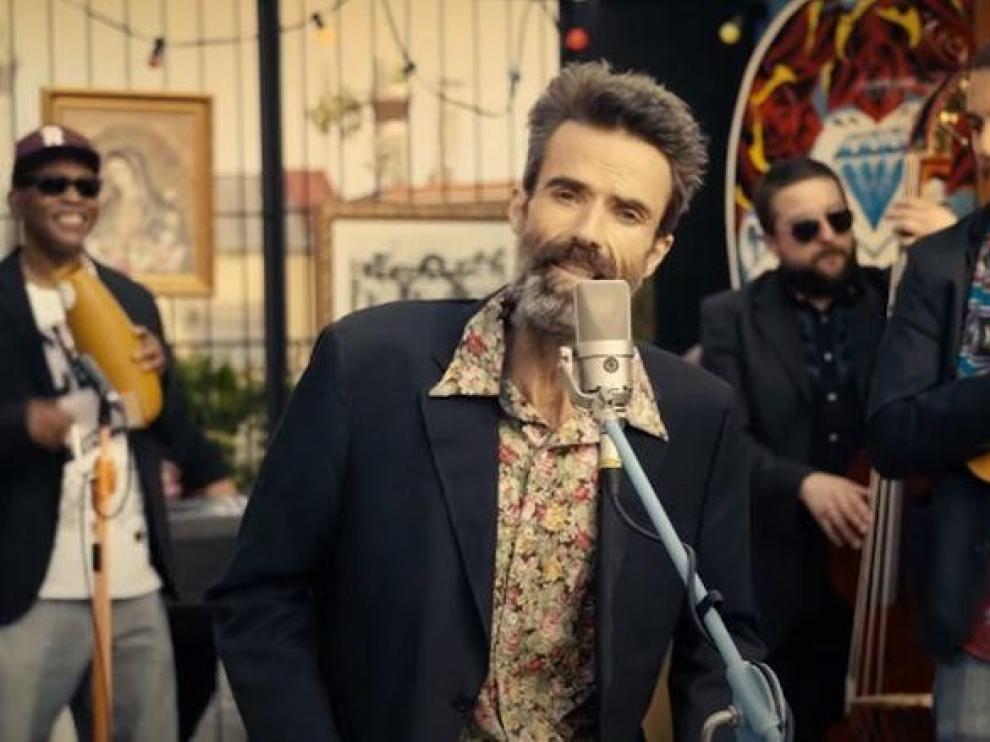 """Jarabe de Palo regresa con el videoclip de """"Eso que tú me das"""""""