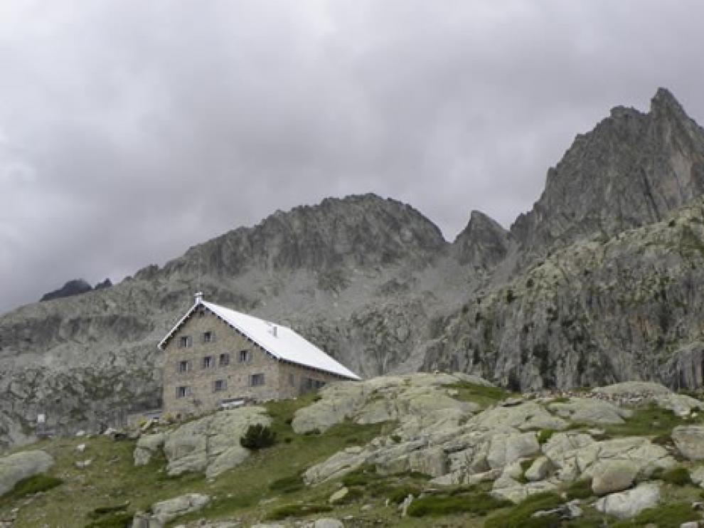 Los refugios de la FAM abrirán el próximo 22 de junio en el Pirineo de Huesca
