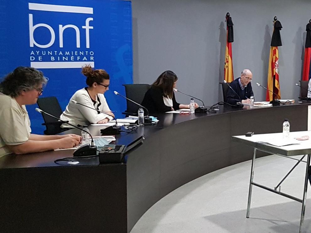 El pleno del Ayuntamiento de Binéfar aprueba las bases y la dotación presupuestaria para el Plan de Dinamización Económica