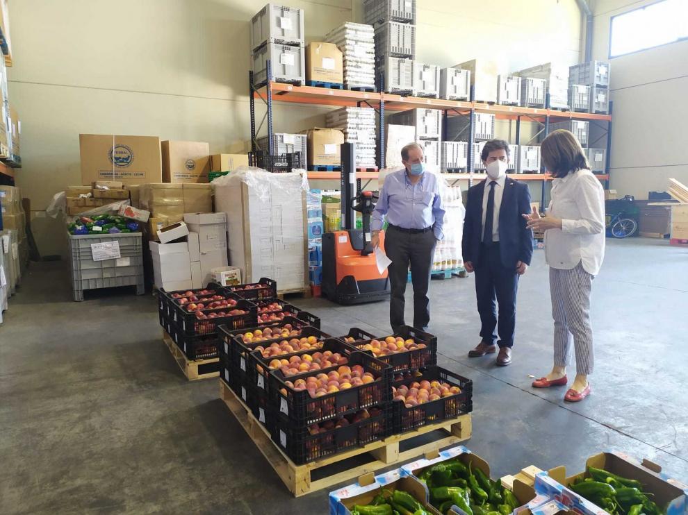 El alcalde de Huesca agradece la labor de Cruz Roja y el Banco de Alimentos