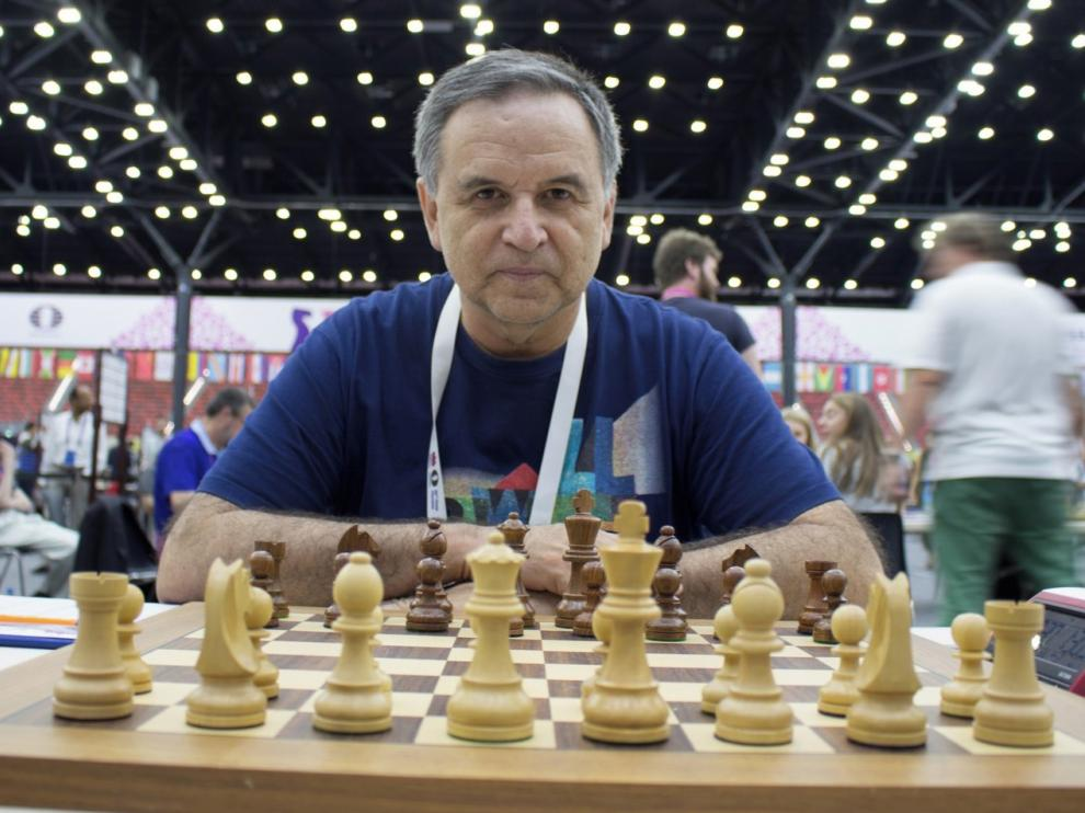 """Roberto Cifuentes: """"Me gusta el ajedrez posicional y activo, nada de medias tintas"""""""