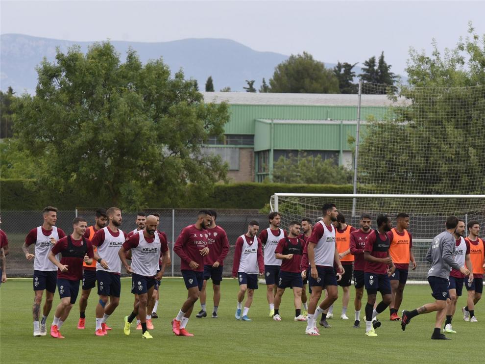 El Huesca vuelve a entrenar al completo 80 días después