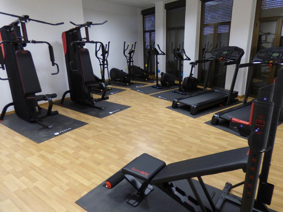 La pandemia pospone el estreno de un gimnasio en Laluenga