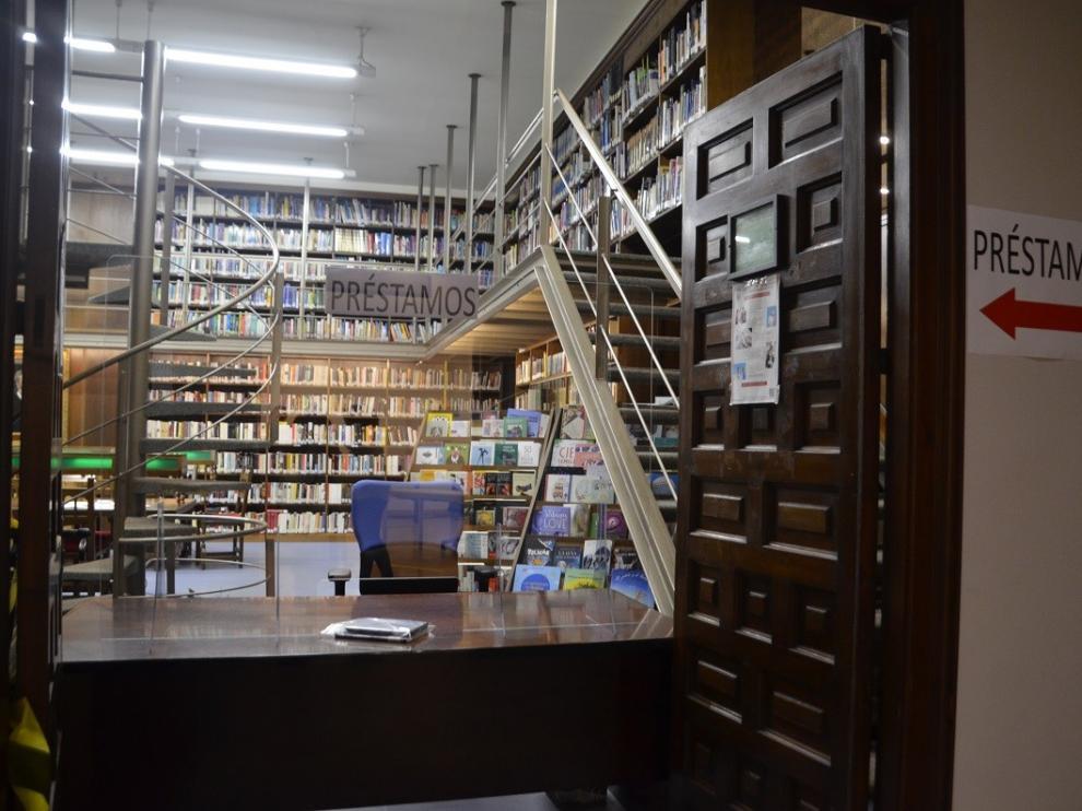 Buena acogida de lectores y usuarios tras la reapertura de la Biblioteca Municipal Hermanos Argensola