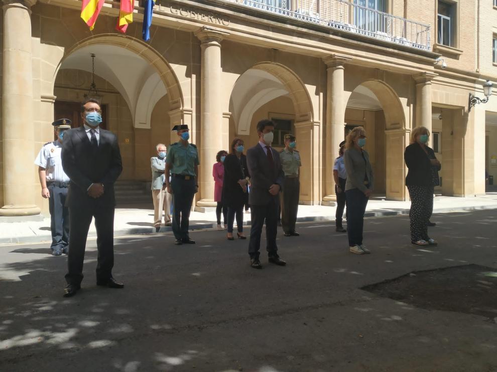 Minuto de silencio en Huesca por los más de 27.000 fallecidos