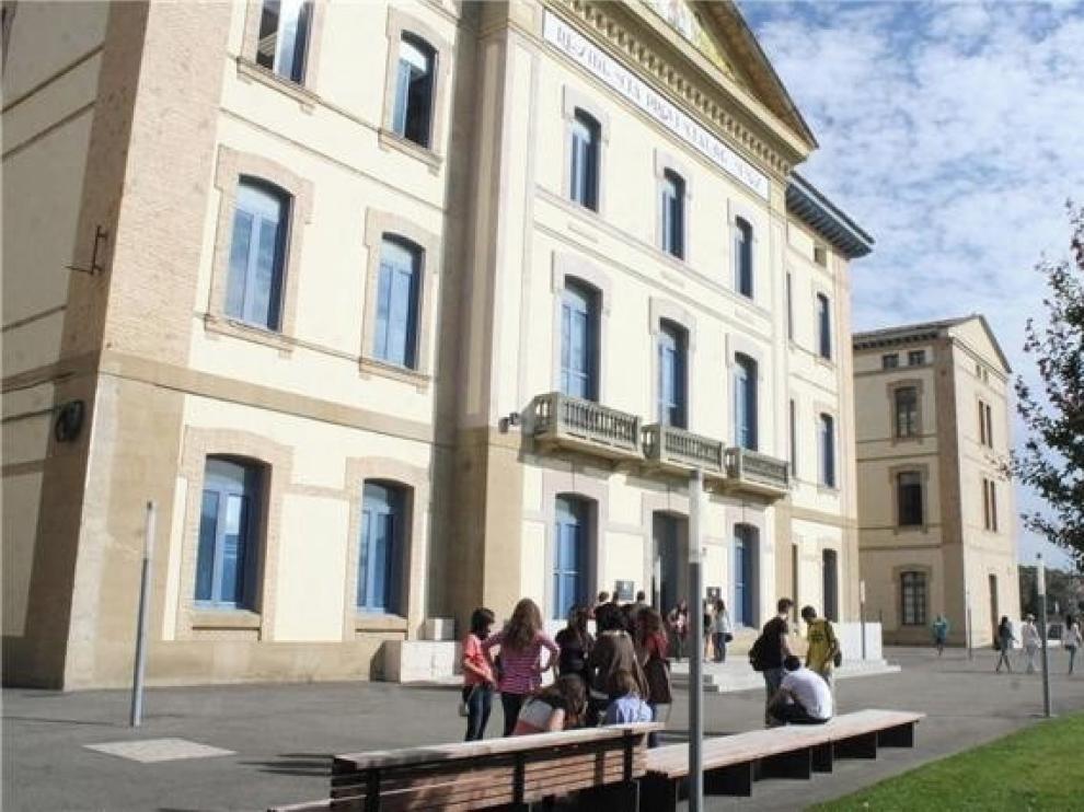 DGA y UZ acuerdan invertir 245.000 euros para digitalizar las aulas