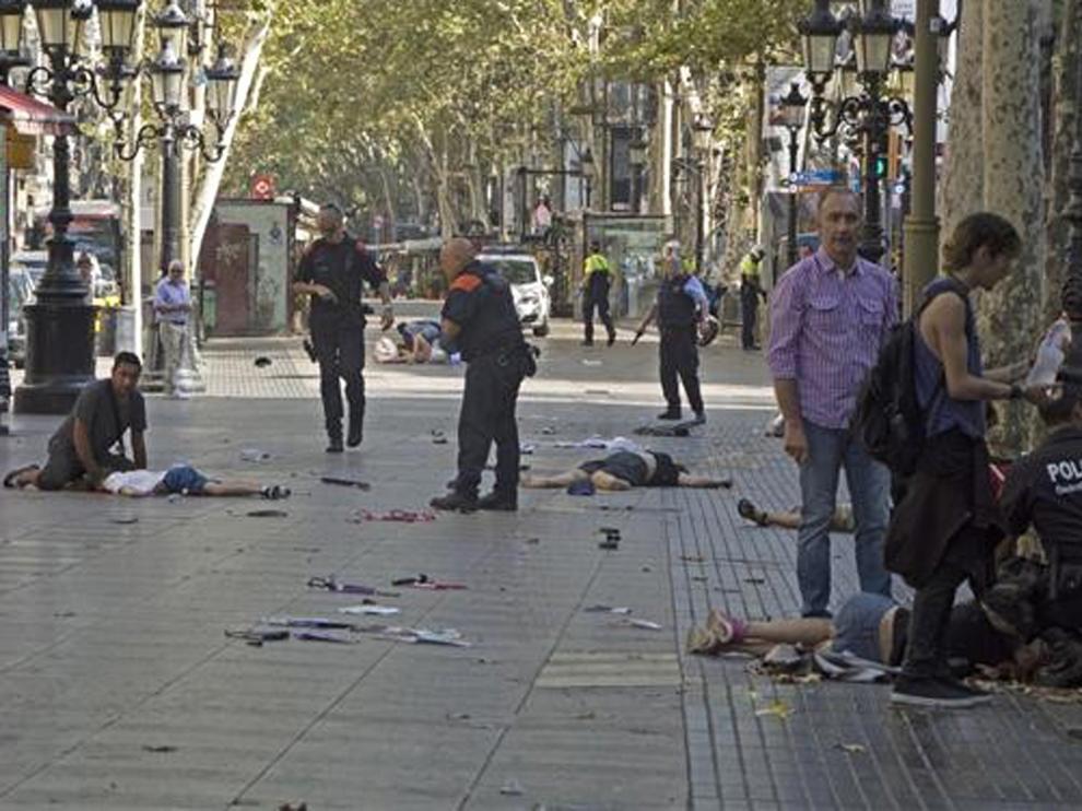 Víctimas de los atentados de Cataluña piden acusar de asesinato a los procesados