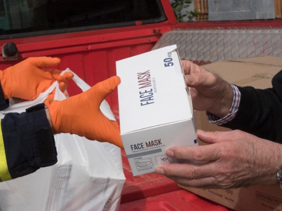 El Ayuntamiento de Huesca entrega 10.000 mascarillas a las Asociaciones de Comercio y Hostelería