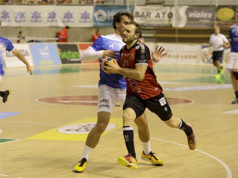 Oier García jugará su sexta temporada en Bada Huesca