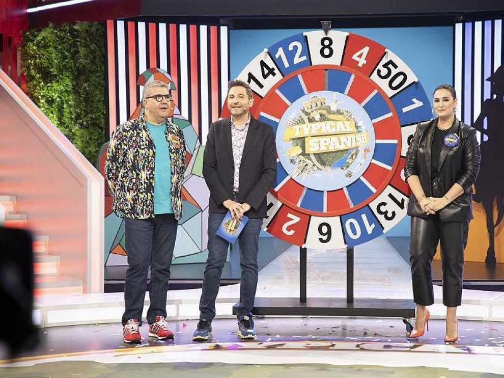 "TVE examina a los famosos en ""Typical Spanish"""