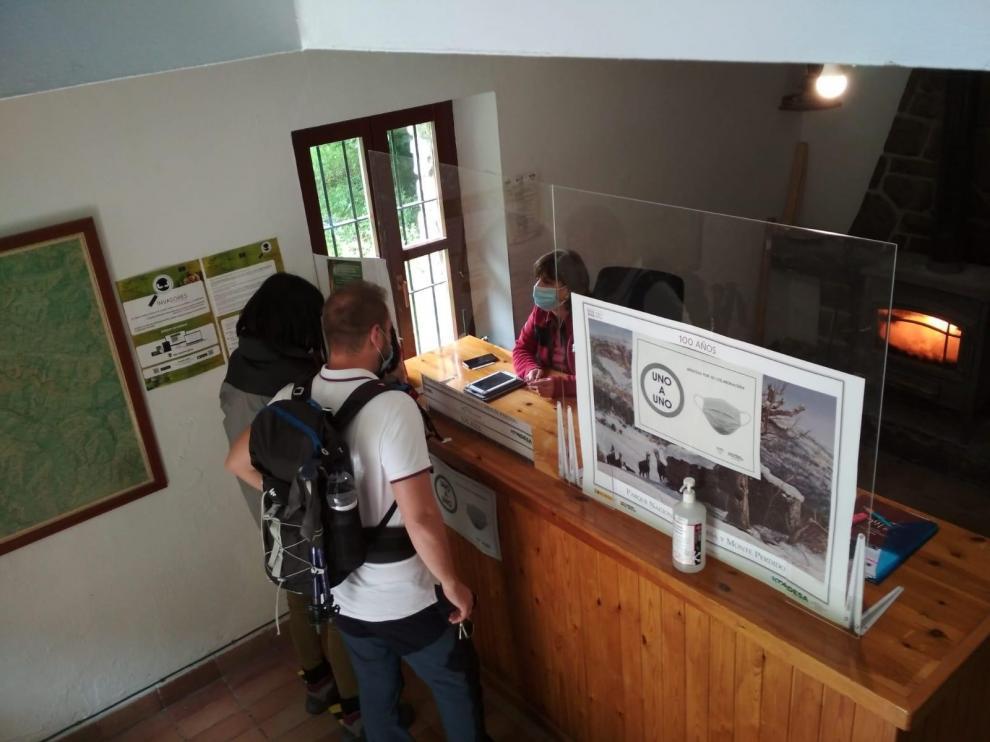 Los accesos a Ordesa reflejan la reactivación del turismo en la provincia de Huesca