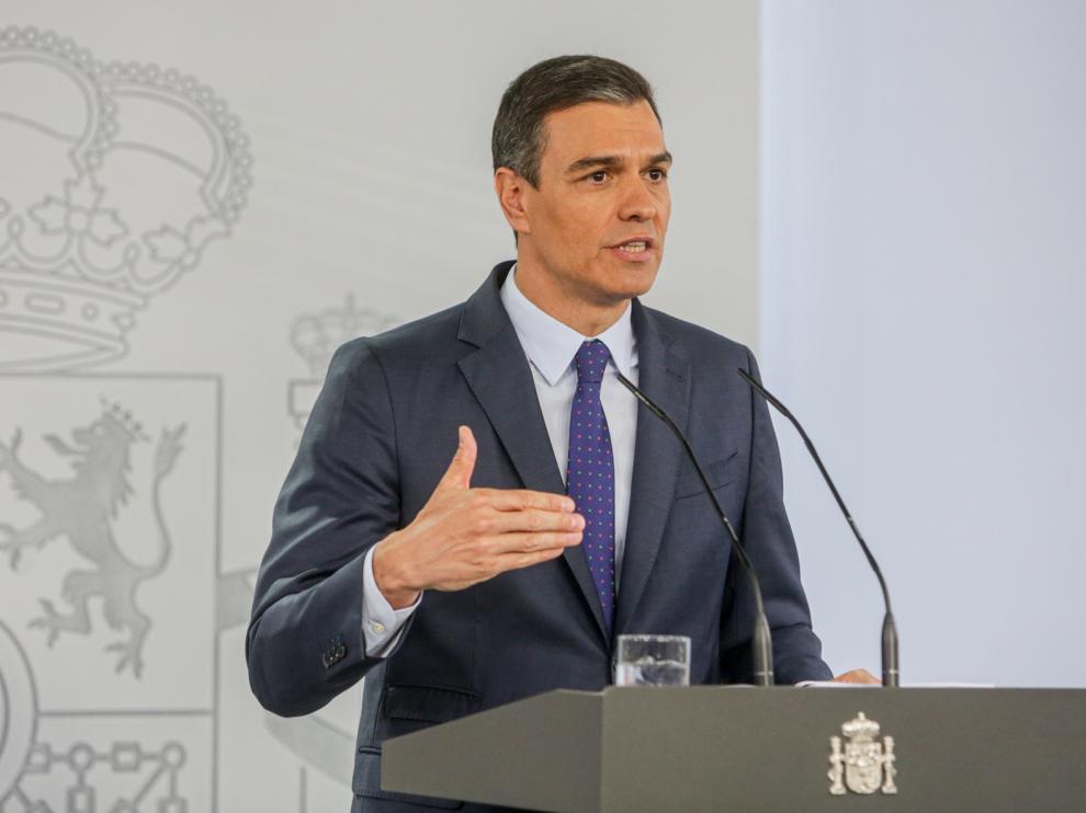 Sánchez acelera la apertura de fronteras y dedica 3.750 millones a automoción