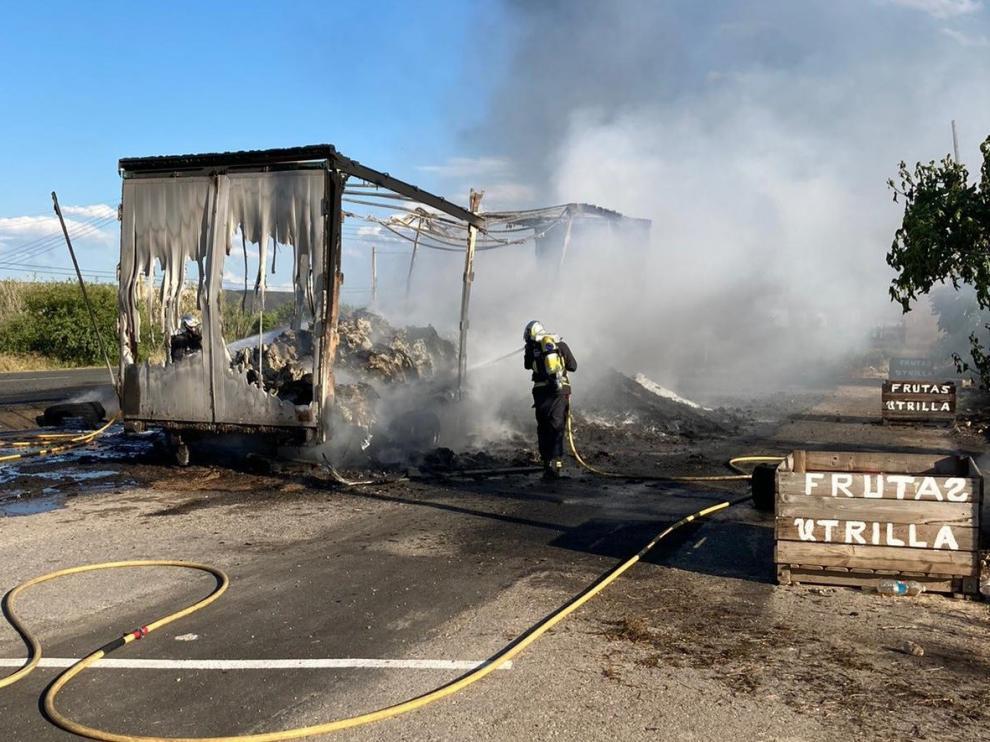 Se incendia un camión a la salida de Fraga