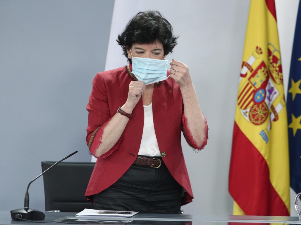 """Isabel Celaá insiste en el metro y medio en clase: """"No es un capricho"""""""