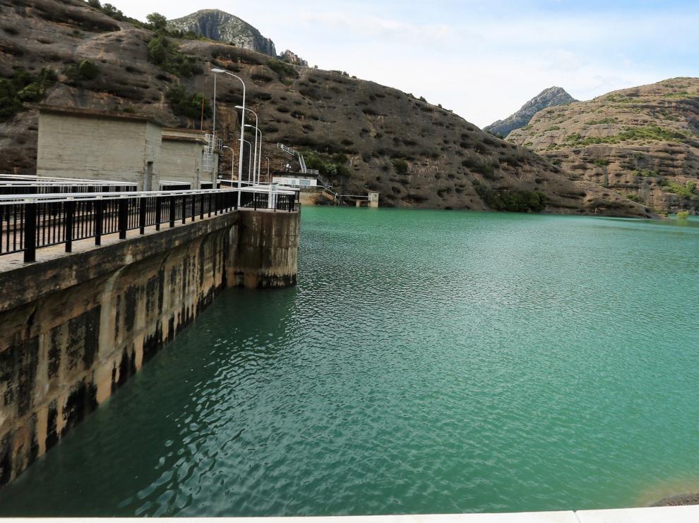 Los embalses la cuenca hidrográfica del Ebro se encuentran al 85 % de su capacidad tras disminuir un 2 %