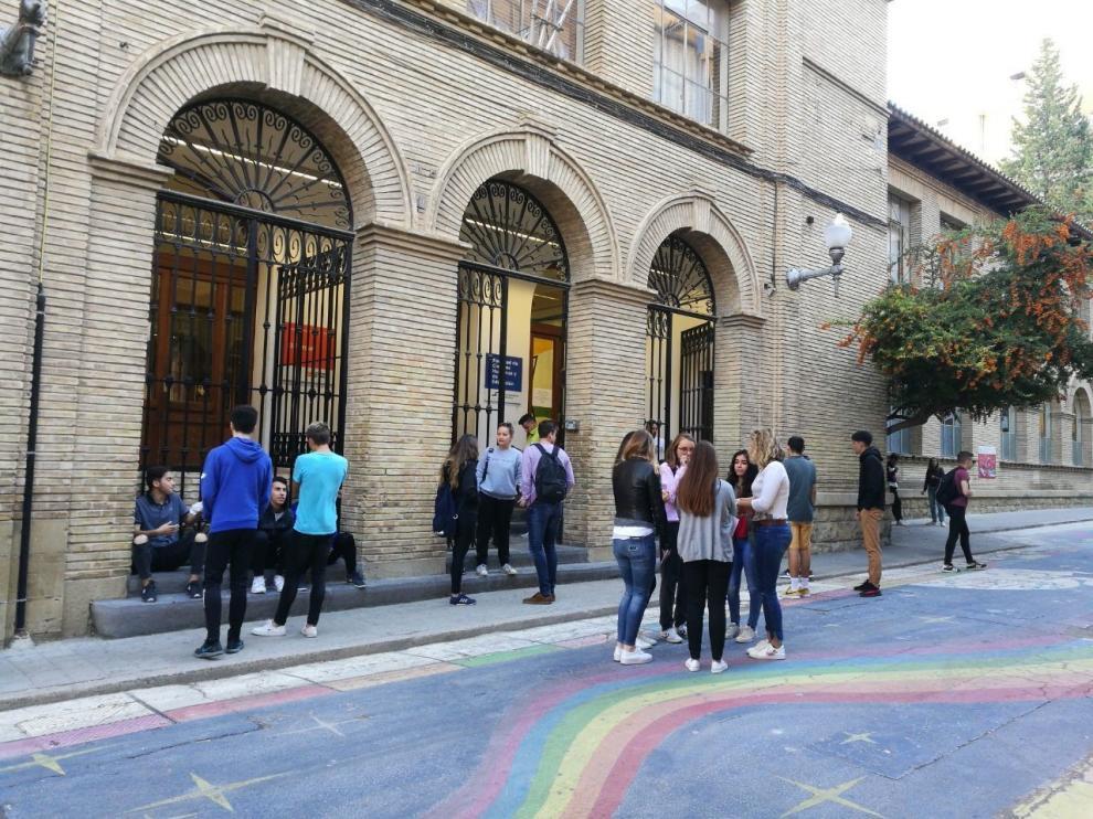 La Universidad de Zaragoza crea un Fondo de Apoyo Solidario Covid
