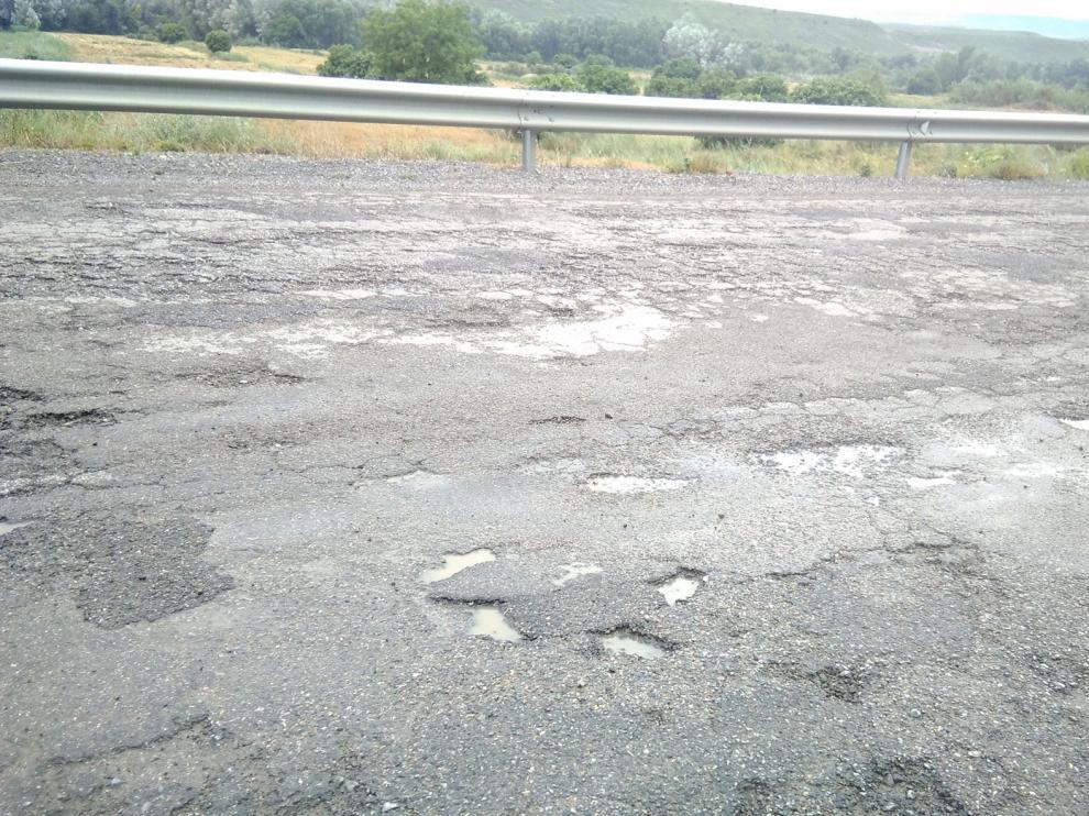Las Cortes piden seguir con las obras de mejora de la carretera A-131