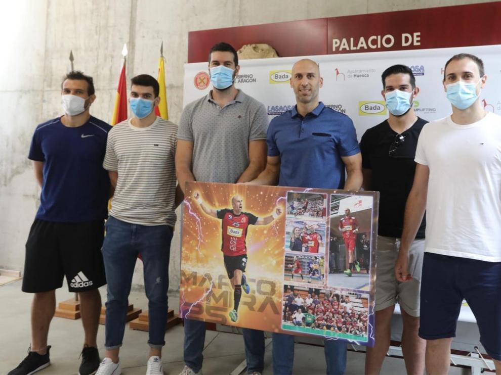 Adiós a Marco Mira, el buque insignia del Balonmano Huesca