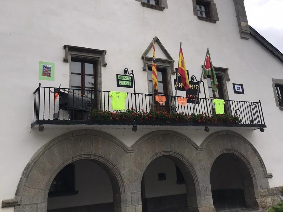 Balcones festivos en Biescas