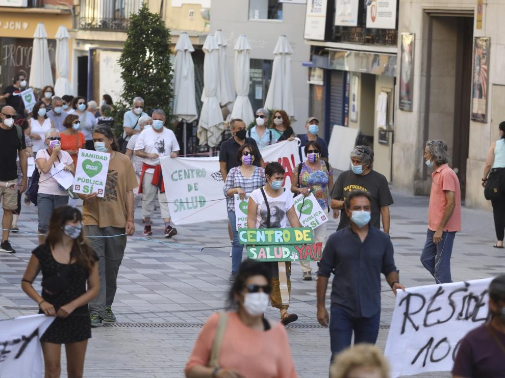 Más de 200 personas piden en Huesca el fin de la privatización sanitaria