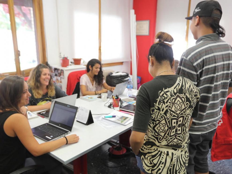 Cruz Roja adapta su intervención con refugiados a causa del covid