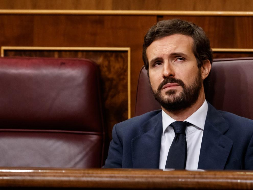 Casado desconfía de la disposición a pactar de Sánchez pero el PP tiene la mano tendida