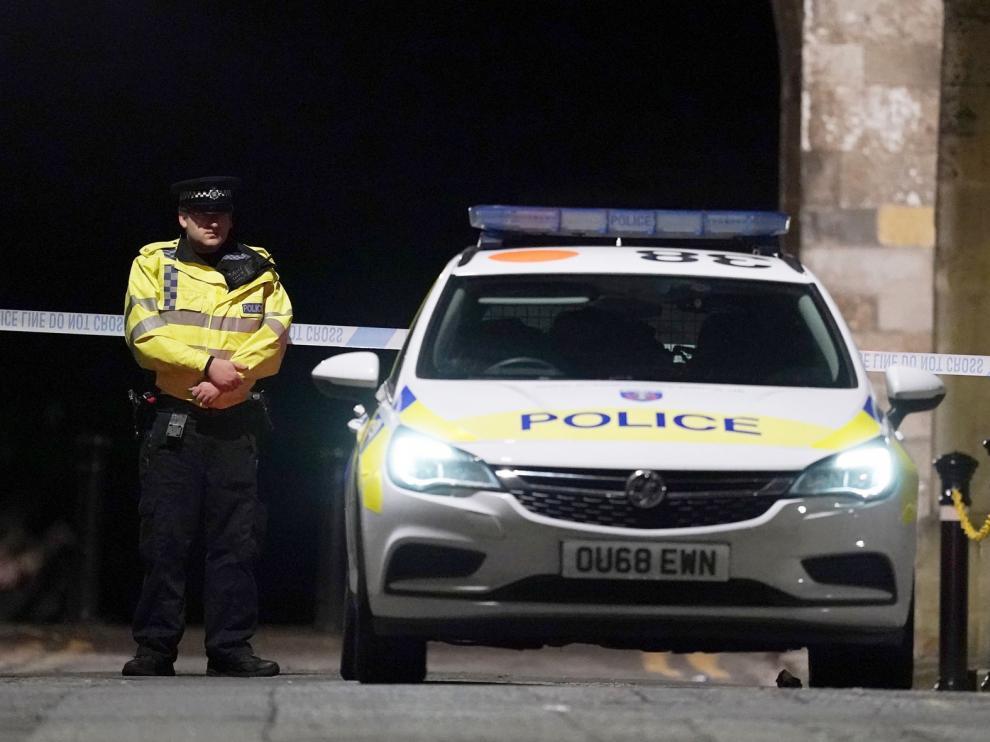 """La Policía británica declara el ataque en Reading en el que han muerto tres personas apuñaladas """"incidente terrorista"""""""