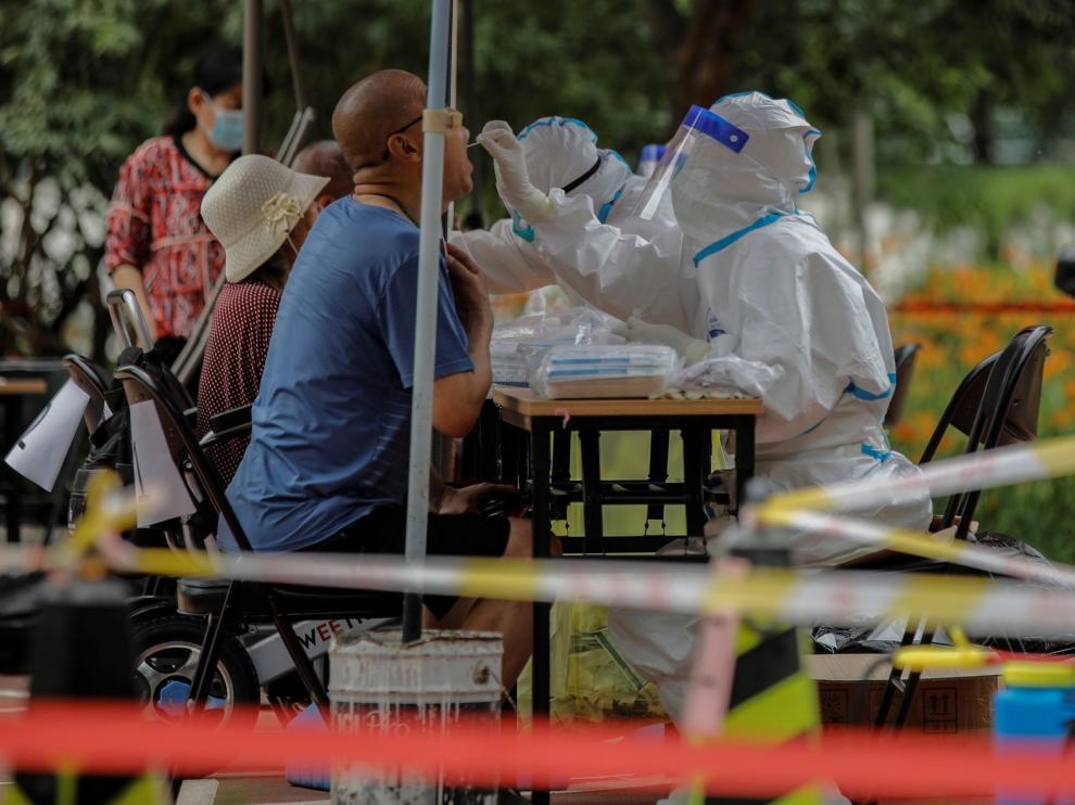 Pekín reducirá su nivel de alerta sanitaria tras dos semanas sin nuevos casos