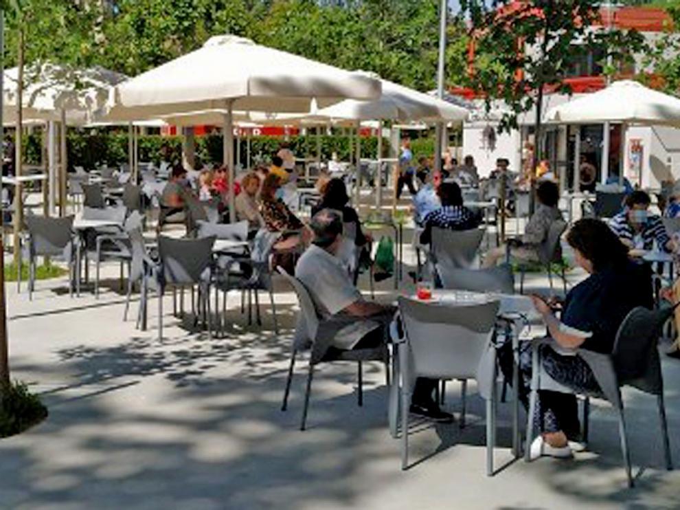 El Ayuntamiento de Huesca mantendrá las ampliaciones actuales de terrazas y veladores hasta el 31 de agosto
